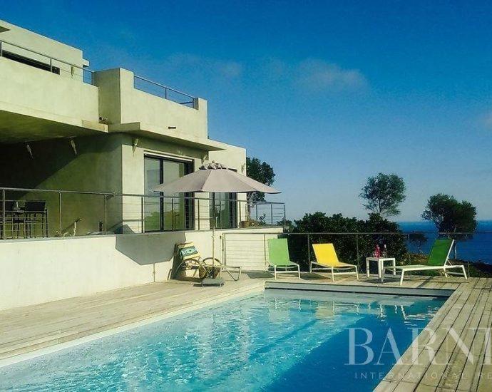 Tarcu, Villa vue mer panoramique et 5 chambres