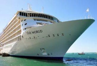 Le yacht des milliardaires en escale à Porto Vecchio