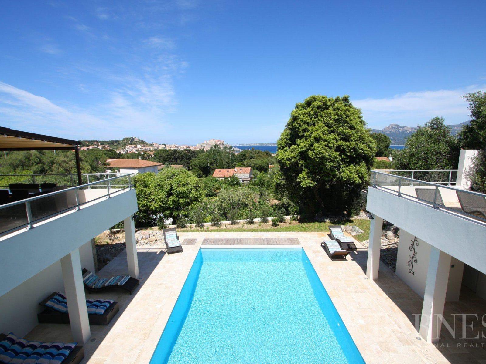 Notre sélection de villas de luxe en vente à Calvi
