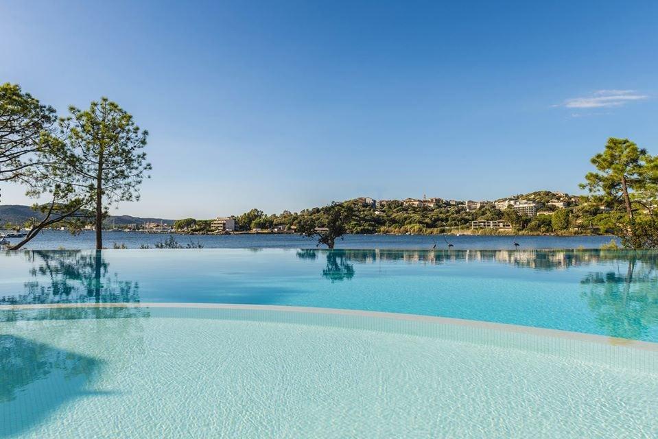 La piscine du restaurant de Hôtel Don César