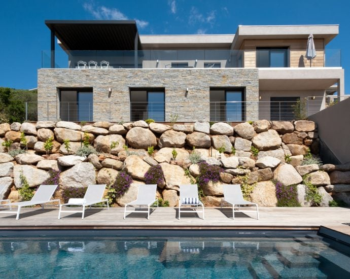 Porto Vecchio, Saint Cyprien, Villa 4 chambres, vue mer et piscine, Villa Madonetta RL206