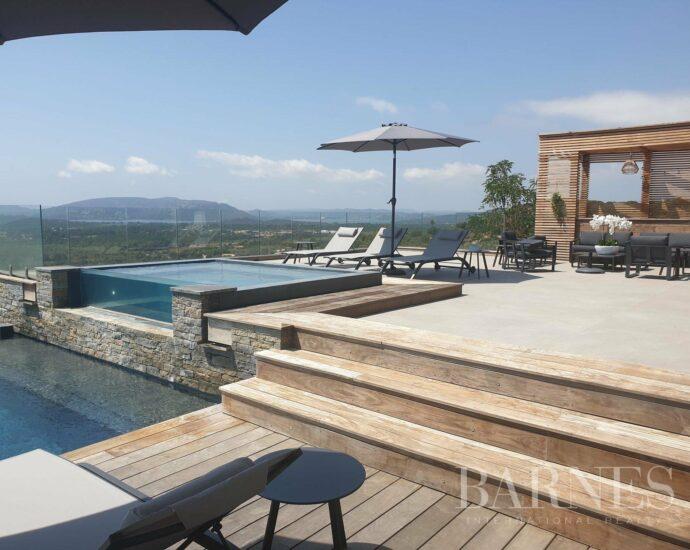 Villa d'architecte, vue panoramique mer et montagne – Saint Cyprien – piscine à débordement
