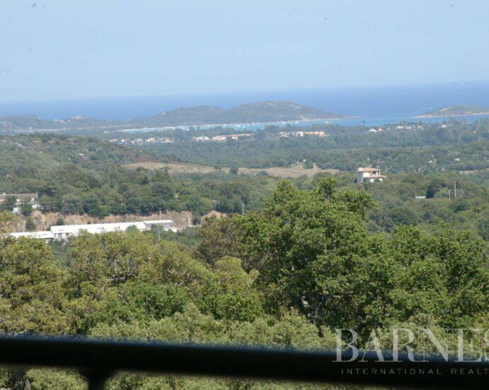 Trinité, Villa d'architecte, vue mer et montagnes panoramique