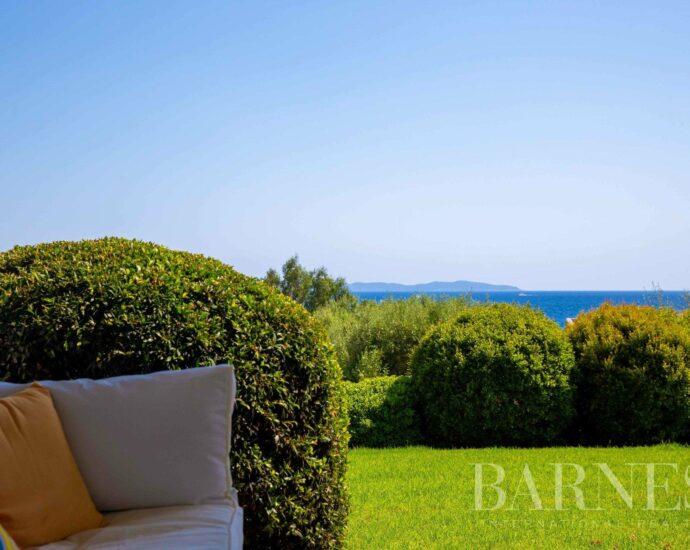 Villa de 4 chambres avec vue panoramique sur la mer et plage à 70 mètres
