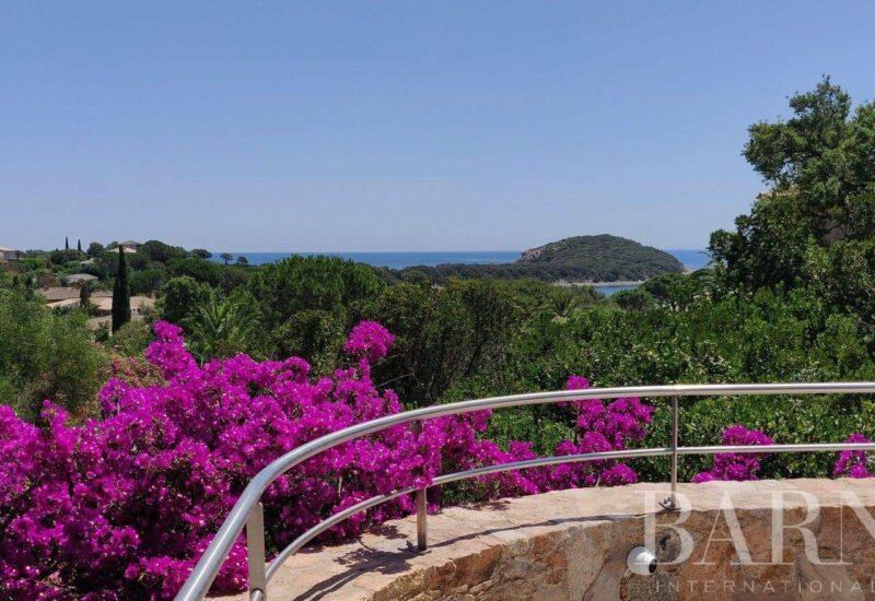 Domaine Privée   Villa T5 – vue mer – Plage à 200m