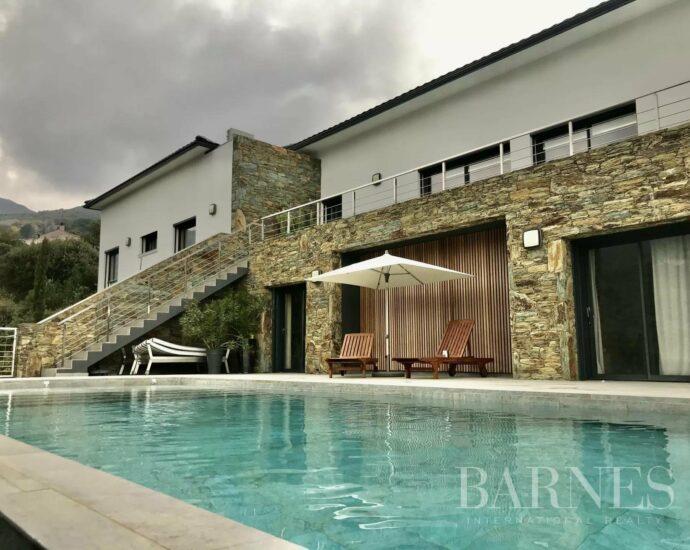 Cap Corse, entre Bastia et Erbalunga, villa d'exception, piscine, vue panoramique mer montagnes et villages