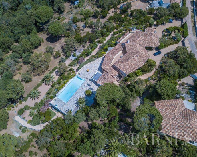 Villa piscine et vue mer sur le golfe de Pinarello