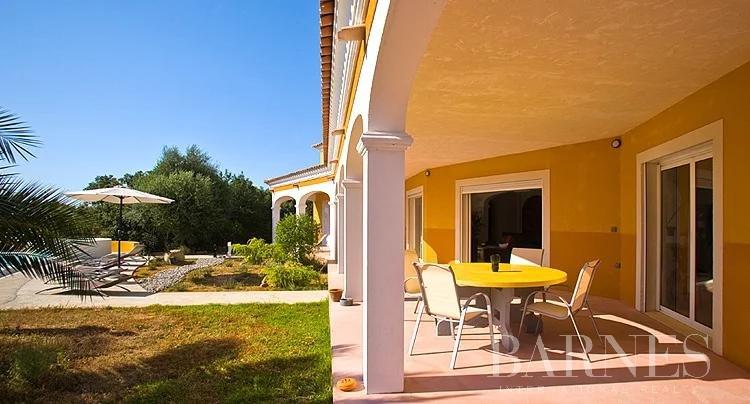 SOUS OFFRE, Lumio, villa avec piscine, vue mer montagnes et Citadelle