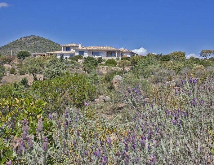 Porto vecchio, Palombaggia, villa 5 chambres, piscine et proche plage, Casa di l'Oru RL207