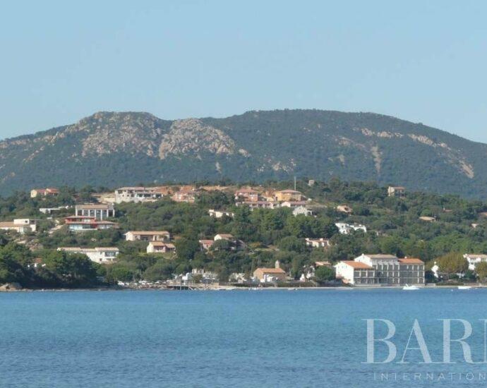 Terrain à bâtir, Pinarello, vue mer, plage à pied, arboré