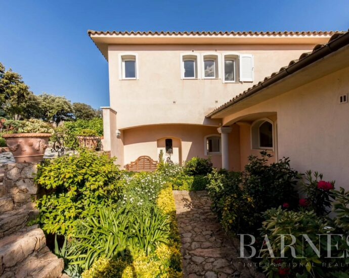 Porto Vecchio, Cala Rossa, Villa 6 chambres, piscine, vue mer, villa Olarma, RL51