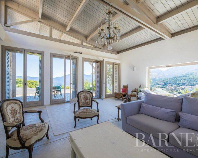 Golfe de Porto, site UNESCO de Corse, villa d'architecte de 5 chambres avec vue panoramique sur la mer et les montagnes