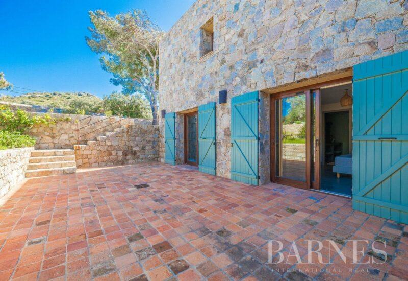 Lumio, villa 7 chambres, piscine et vue mer, RL253