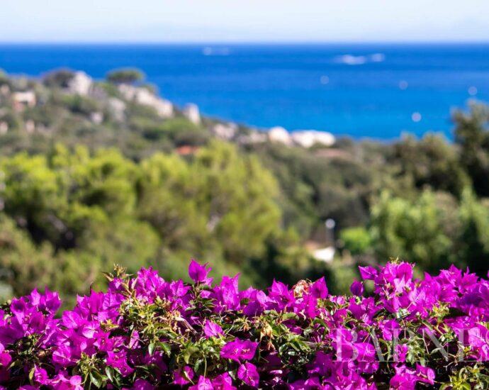 Villa Santa Giulia, vue mer et plage à pied